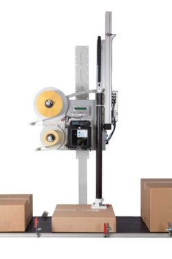 Working at a speed of 2,400 items per hour, the Legi-Air 6000 supports speedy shipment.  © Bluhm Systeme