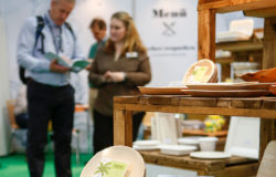 According to consumer protection organisations, companies have to pay more attention to educating consumers about the criteria and performance of sustainable packaging. Photo: Messe Düsseldorf