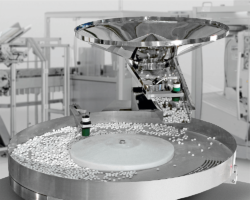 Flexibility and safety are called for when packaging systems are used in the pharmaceutical sector. Photo: Omag